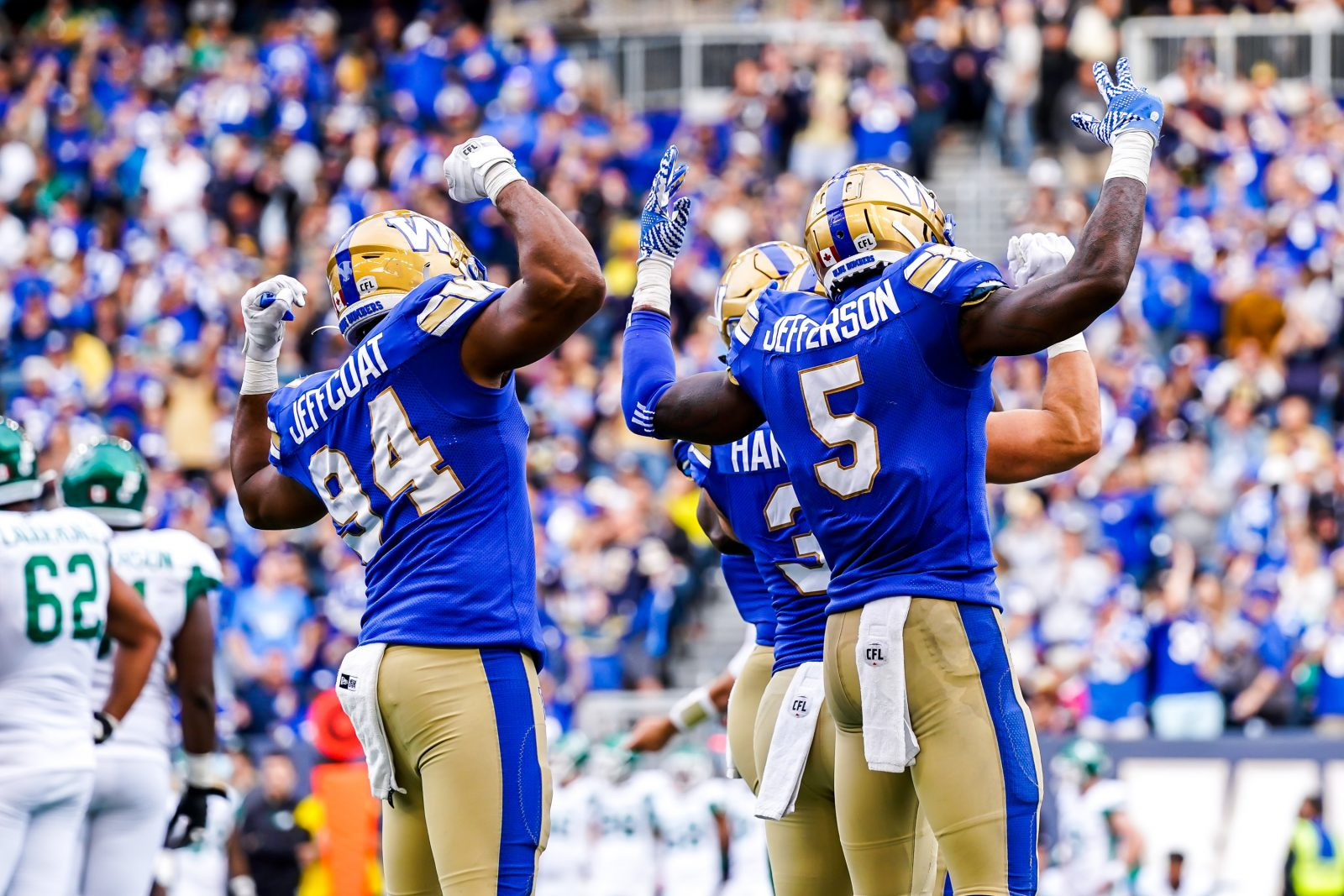 Blue Bombers blow Roughriders away in Banjo Bowl